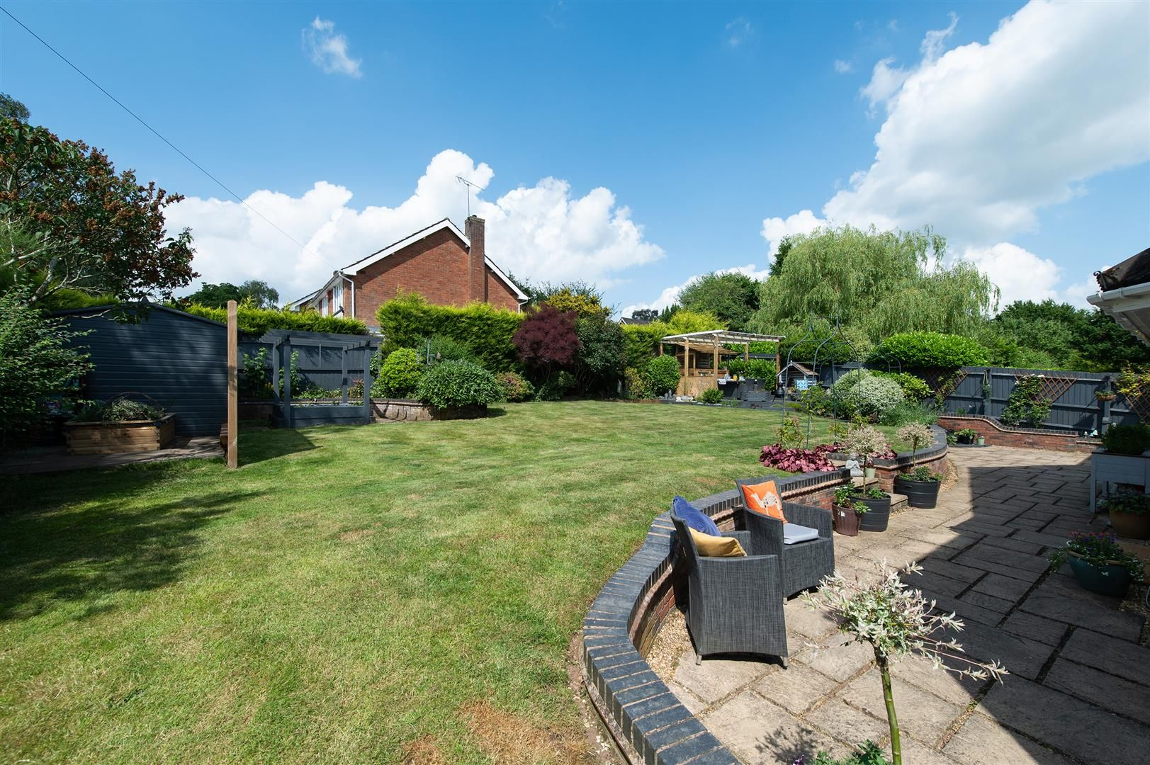5 bed detached for sale in Hagley 30