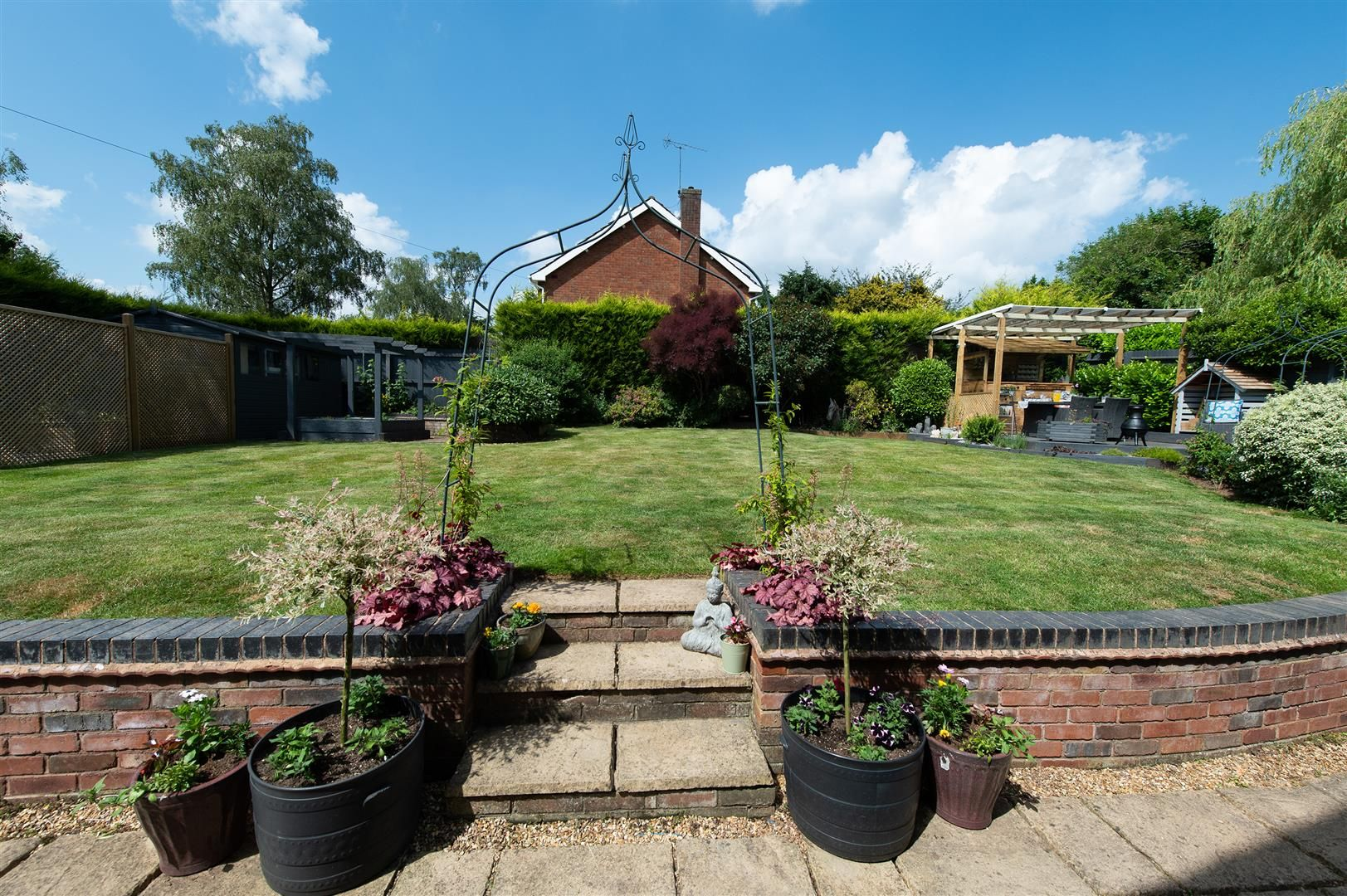 5 bed detached for sale in Hagley 31