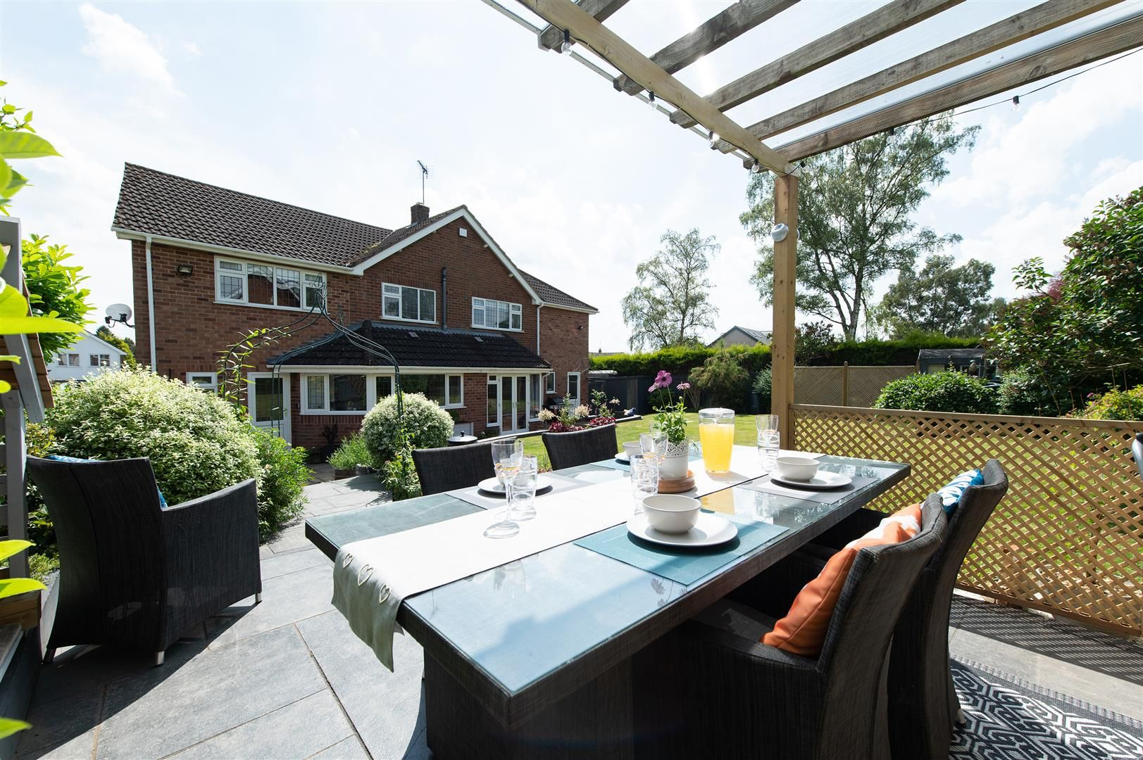 5 bed detached for sale in Hagley 34