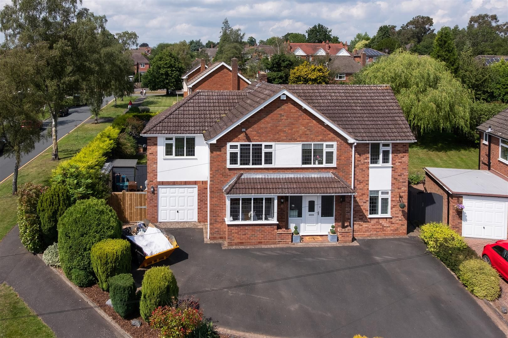 5 bed detached for sale in Hagley 36