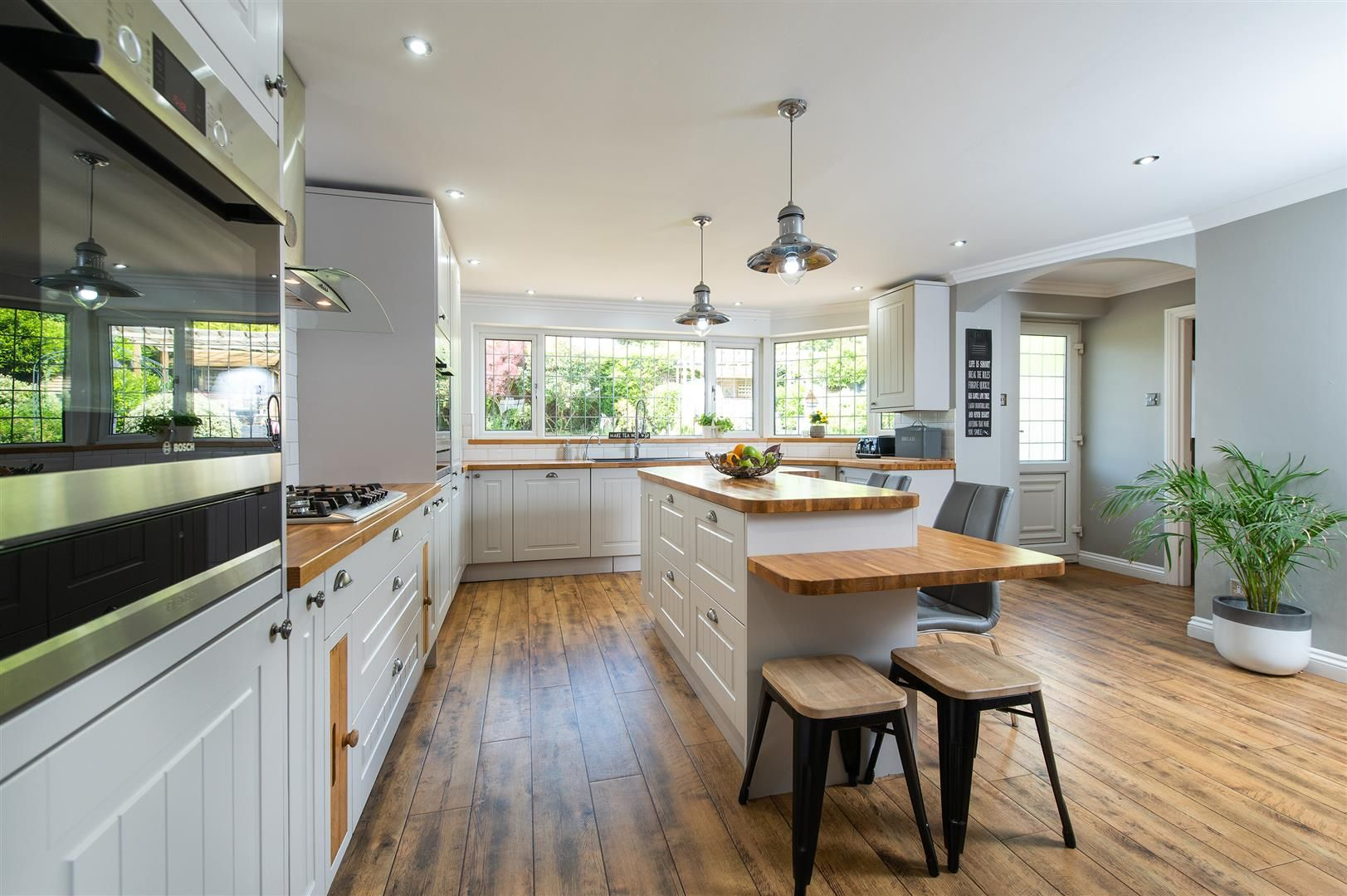 5 bed detached for sale in Hagley 9