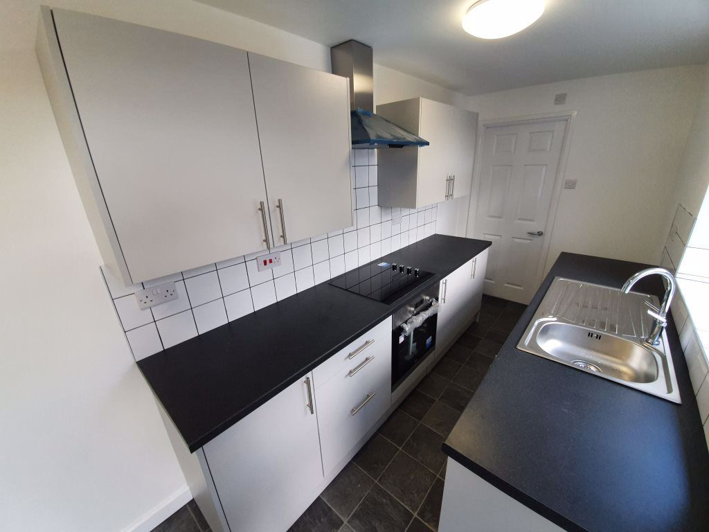 2 bed  to rent  - Property Image 2