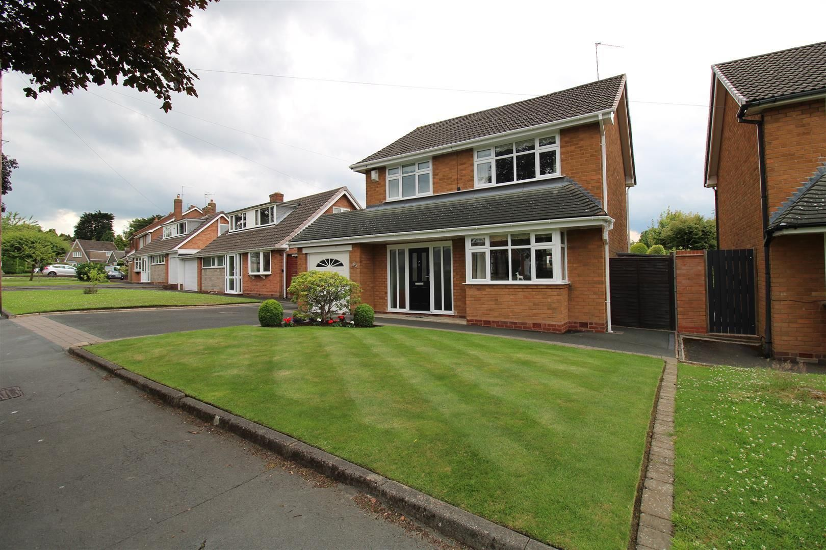 3 bed detached for sale in Pedmore 24