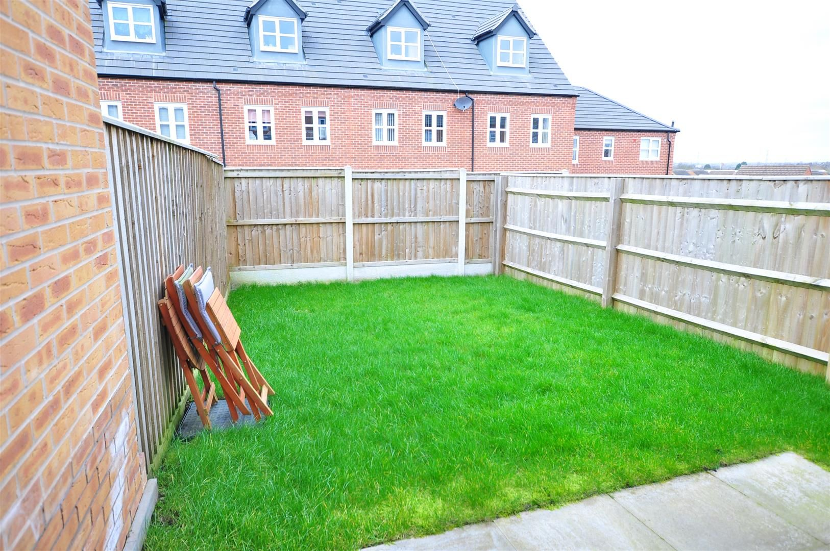 2 bed end-of-terrace for sale 11