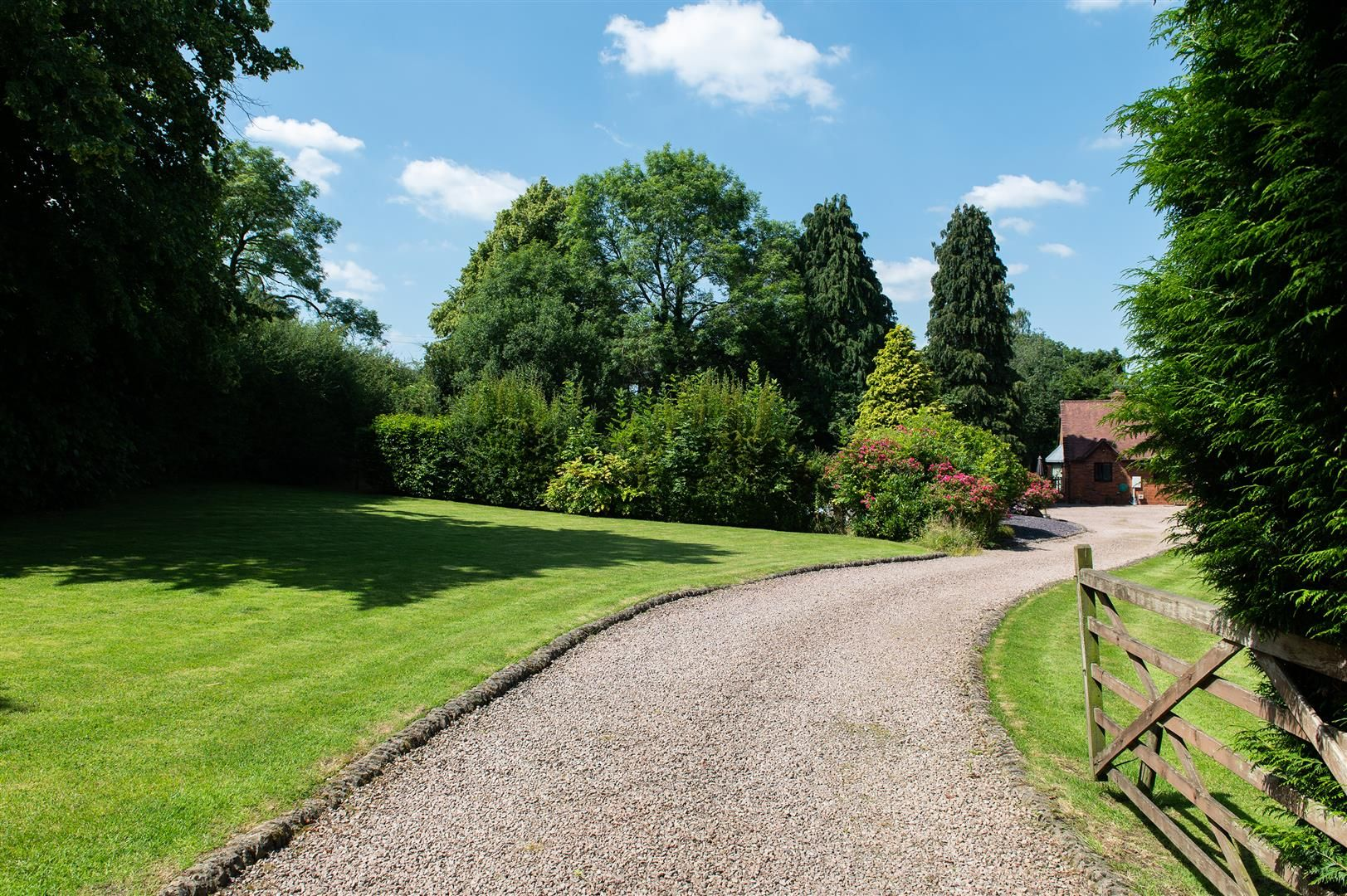 4 bed detached-bungalow for sale in Romsley  - Property Image 2