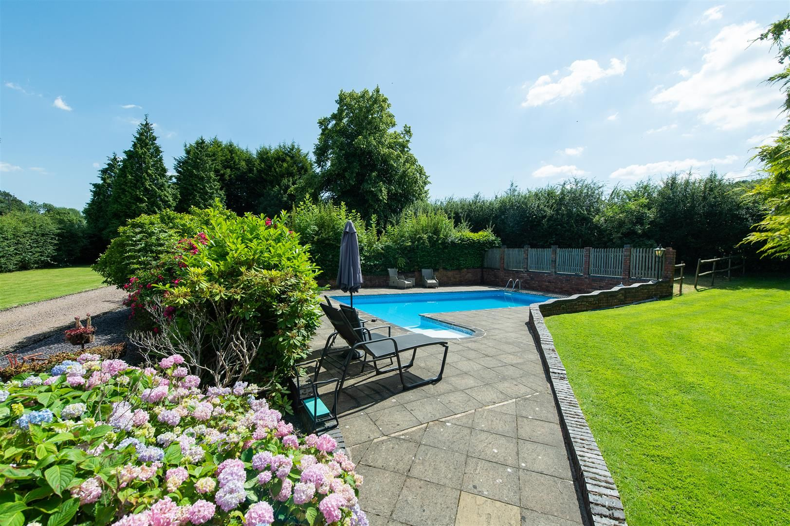 4 bed detached-bungalow for sale in Romsley  - Property Image 20