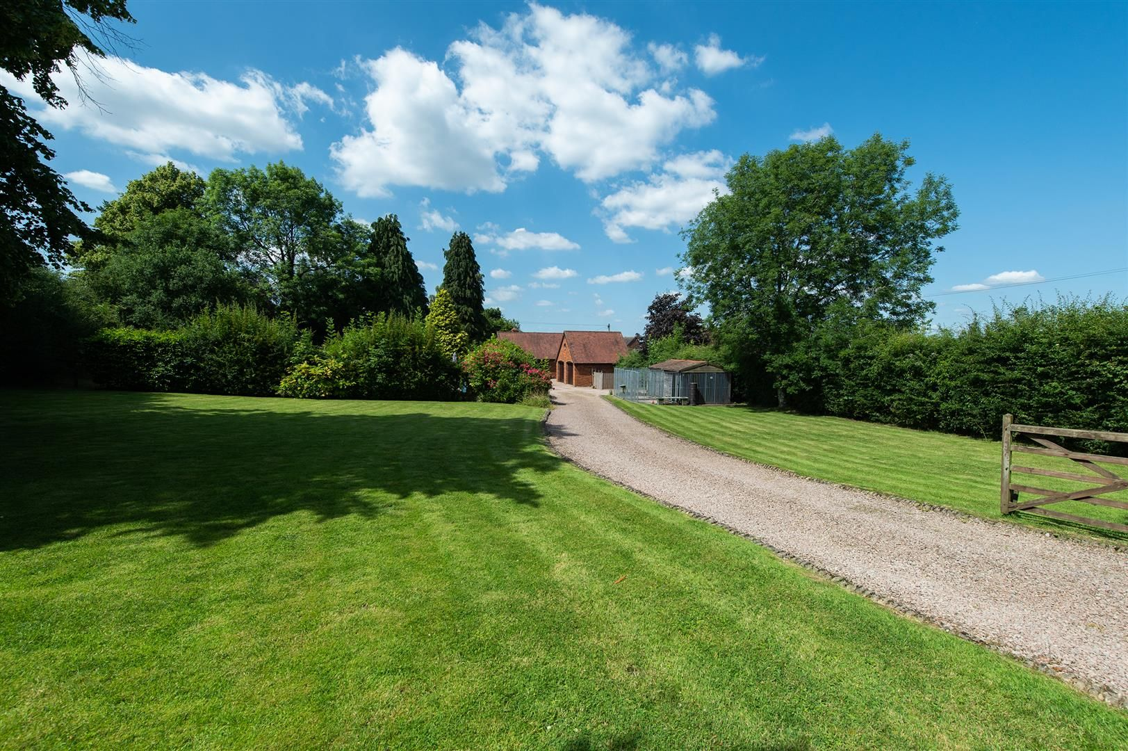 4 bed detached-bungalow for sale in Romsley  - Property Image 24
