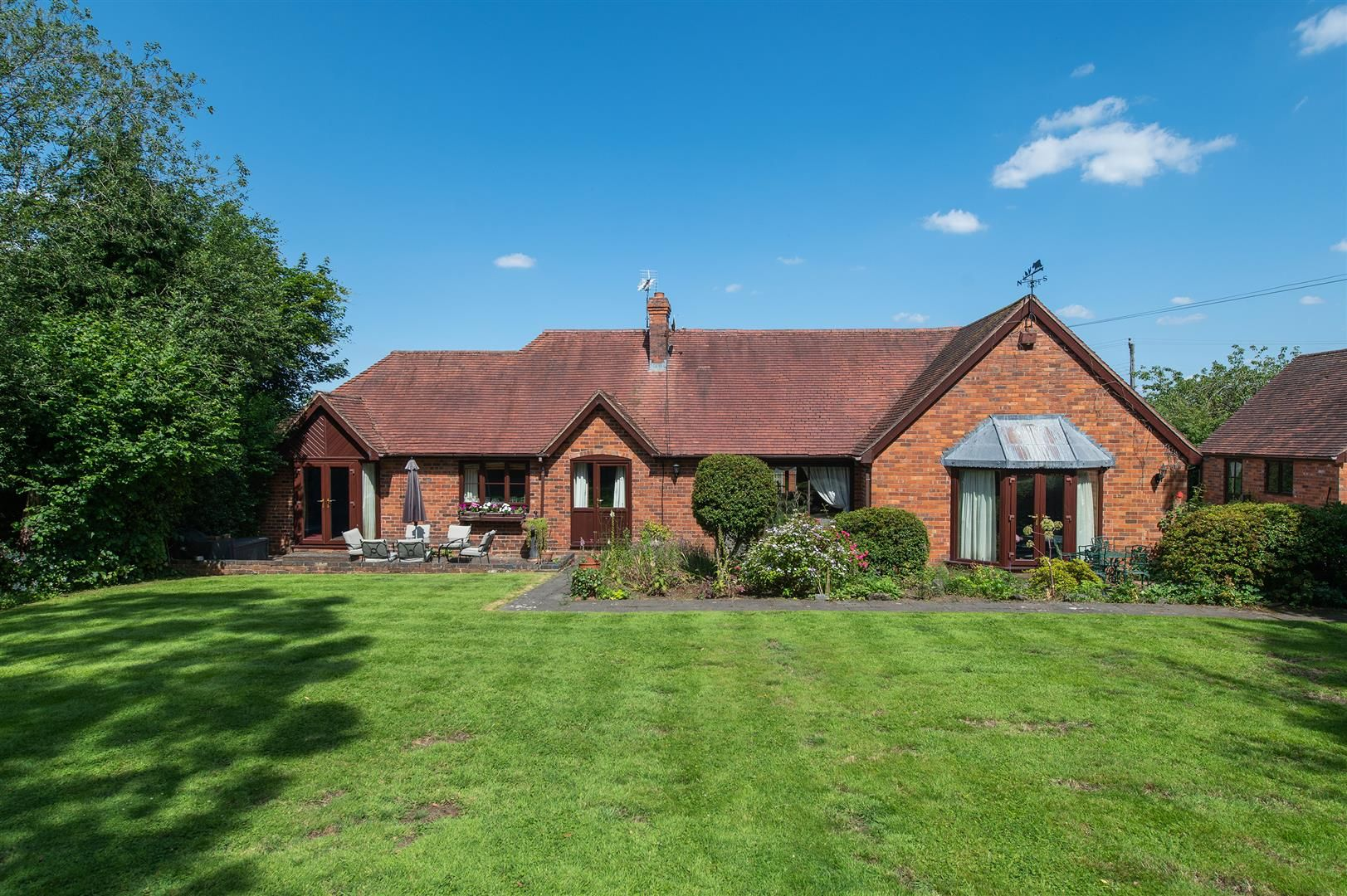 4 bed detached-bungalow for sale in Romsley  - Property Image 4