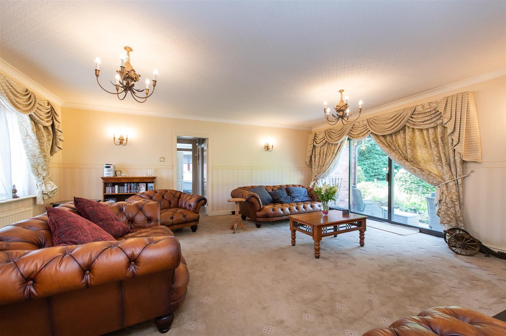 4 bed detached-bungalow for sale in Romsley 6
