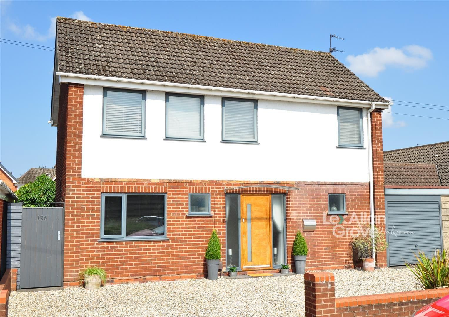 3 bed detached for sale in Hayley Green, B63