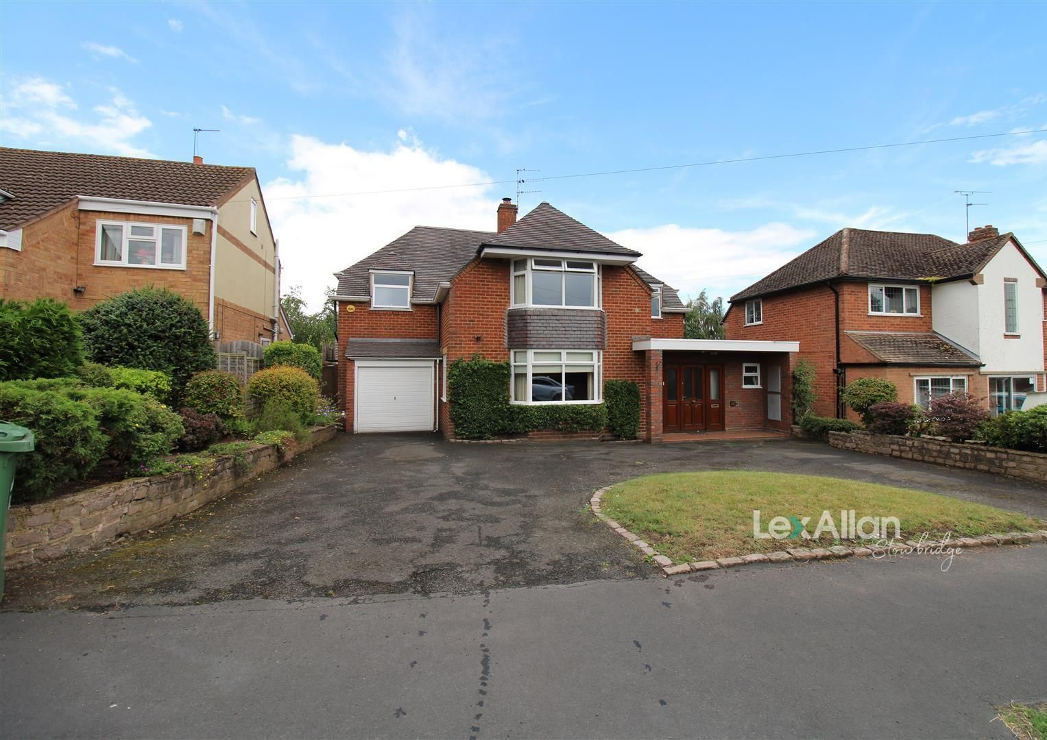 3 bed detached for sale in Norton, DY8