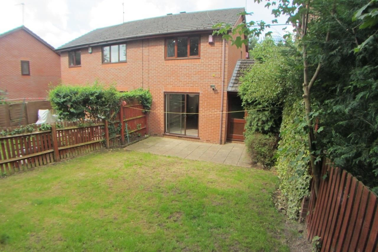 2 bed semi-detached for sale in Blakedown 9