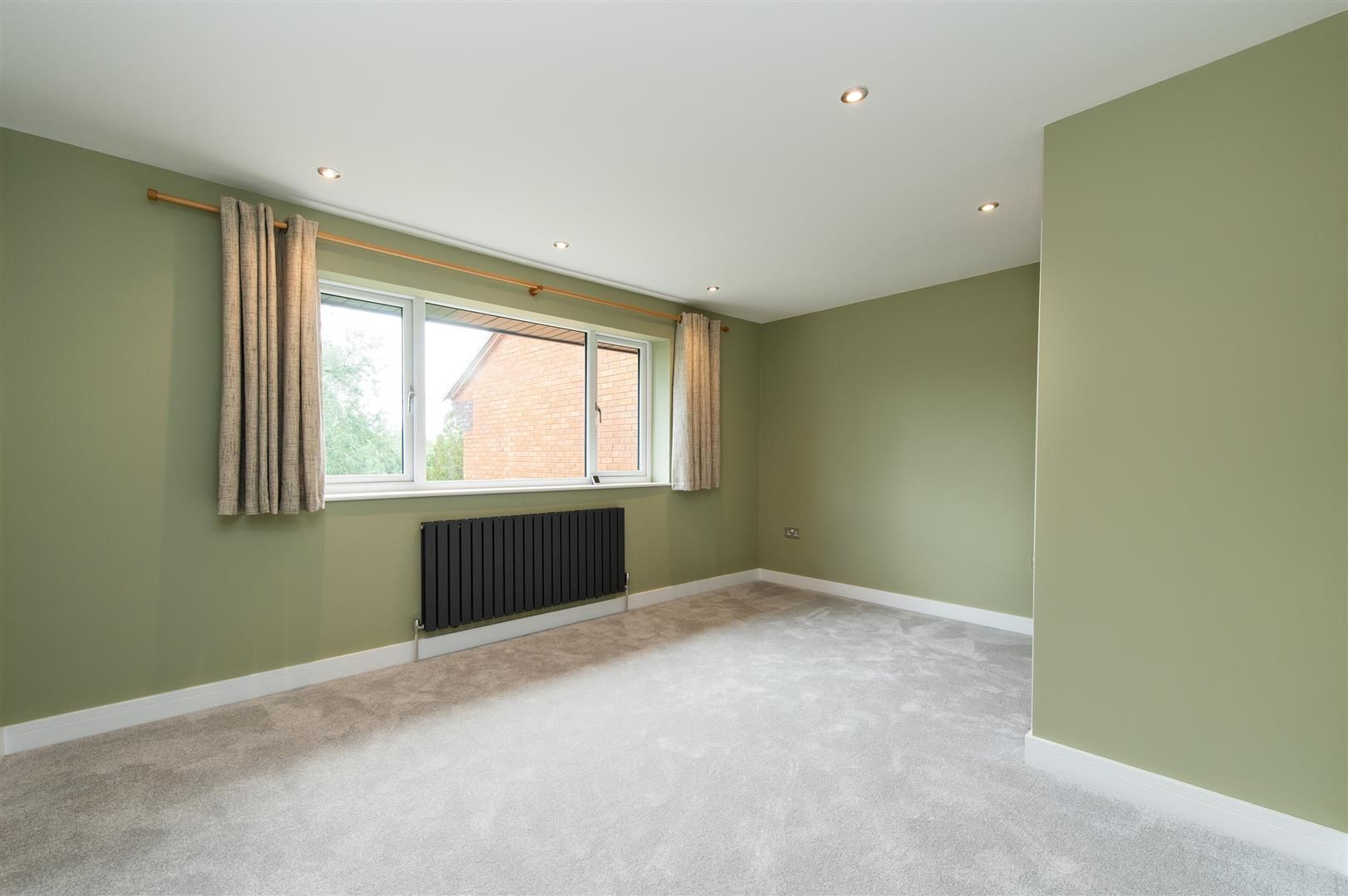 3 bed town-house for sale in Hagley 15