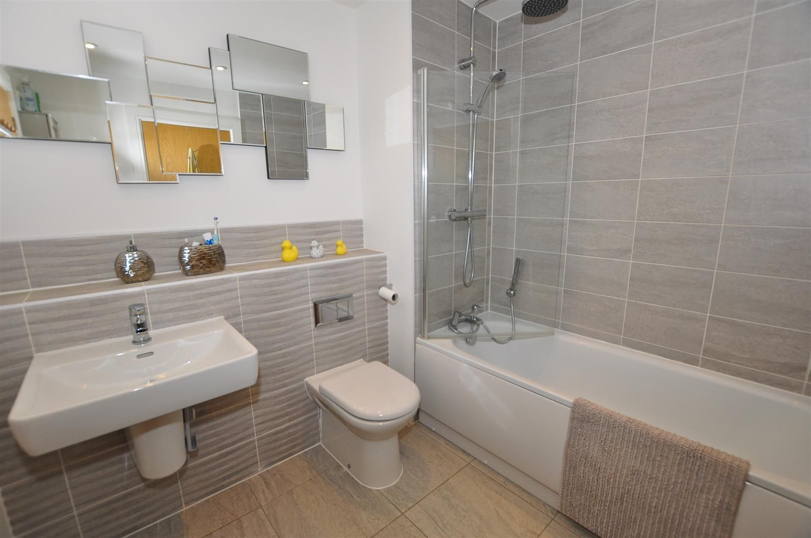 4 bed detached for sale in Hagley 17