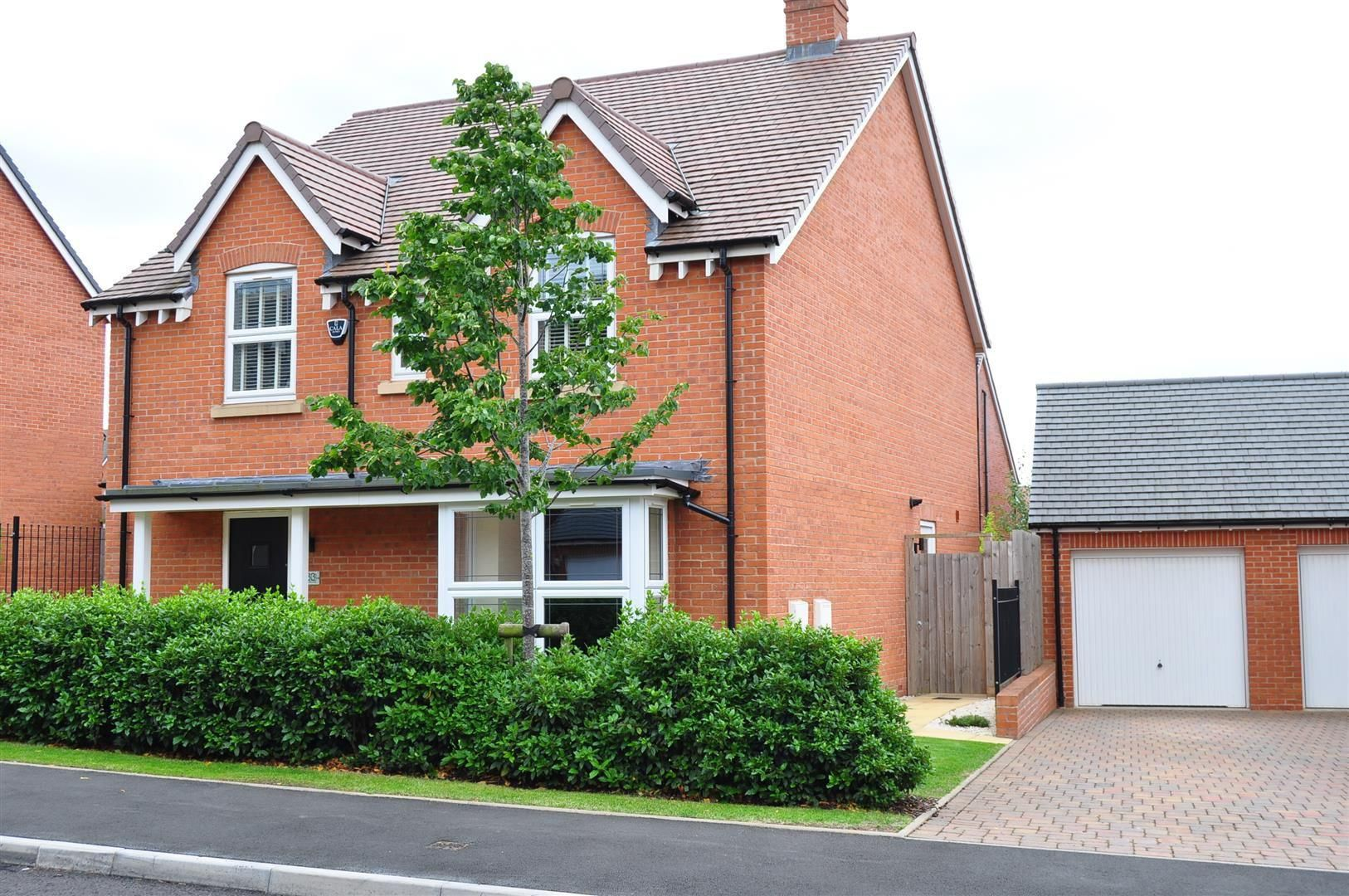 4 bed detached for sale in Hagley 24