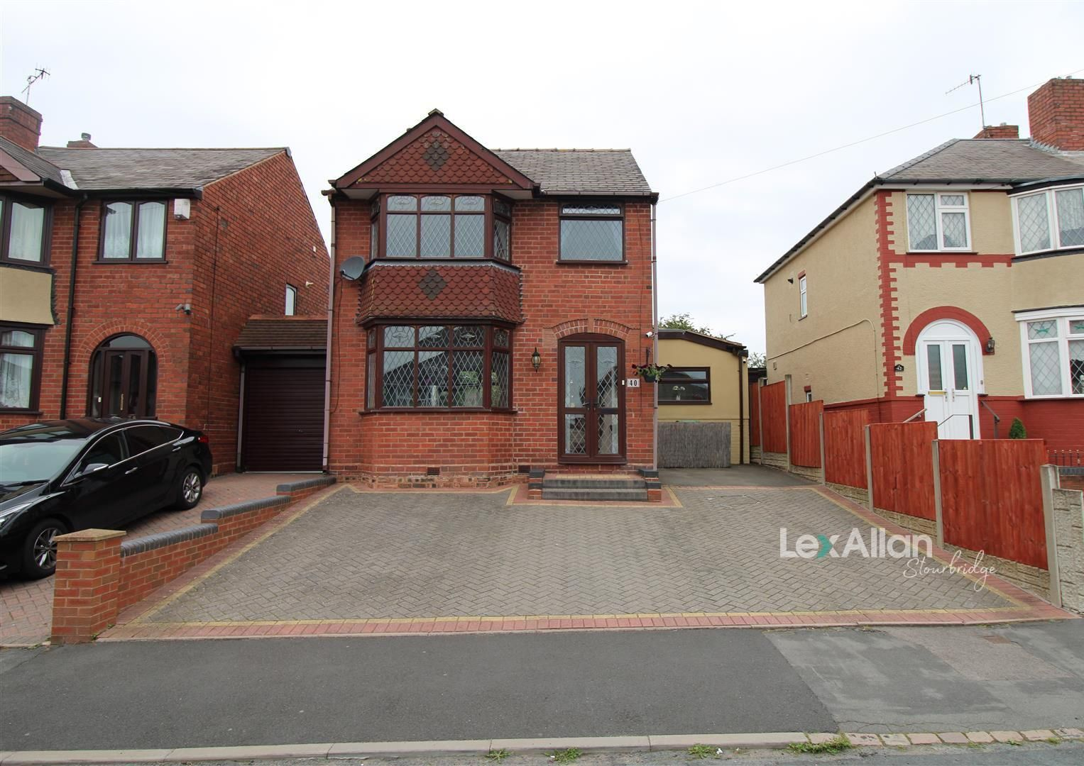 4 bed detached for sale, DY2