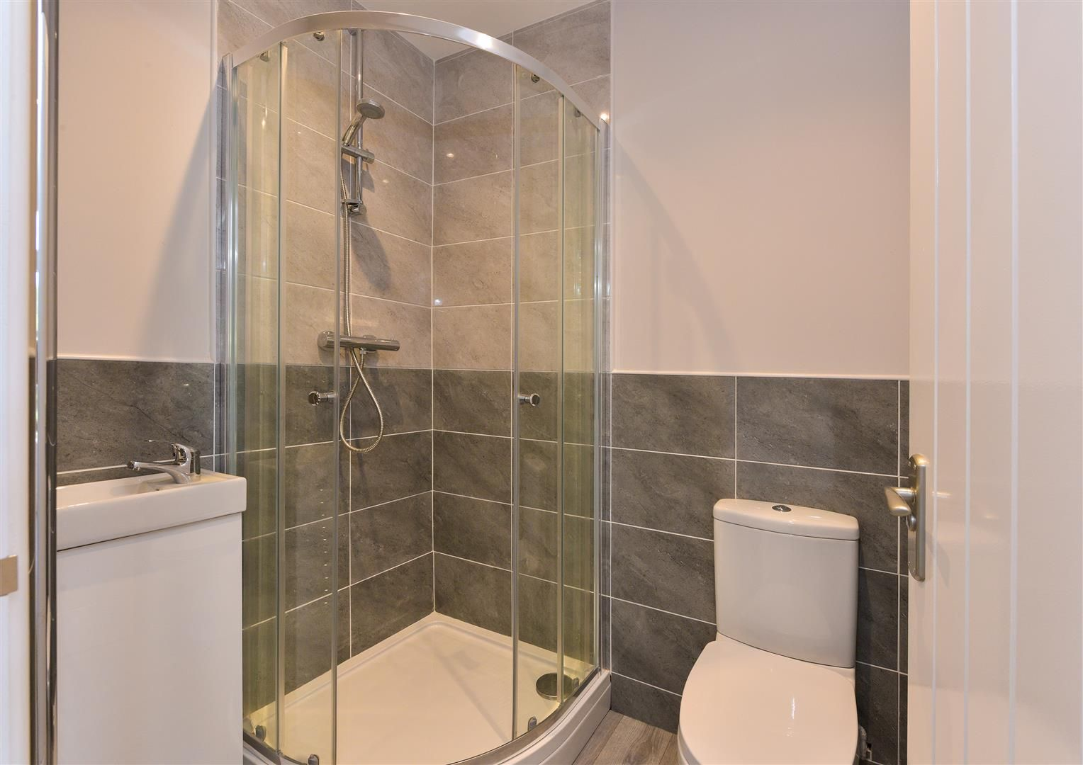 2 bed apartment for sale  - Property Image 12