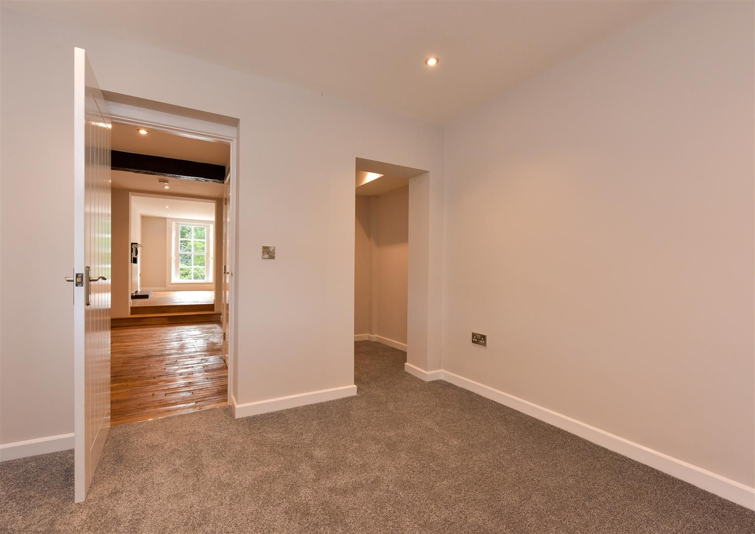 2 bed apartment for sale  - Property Image 13