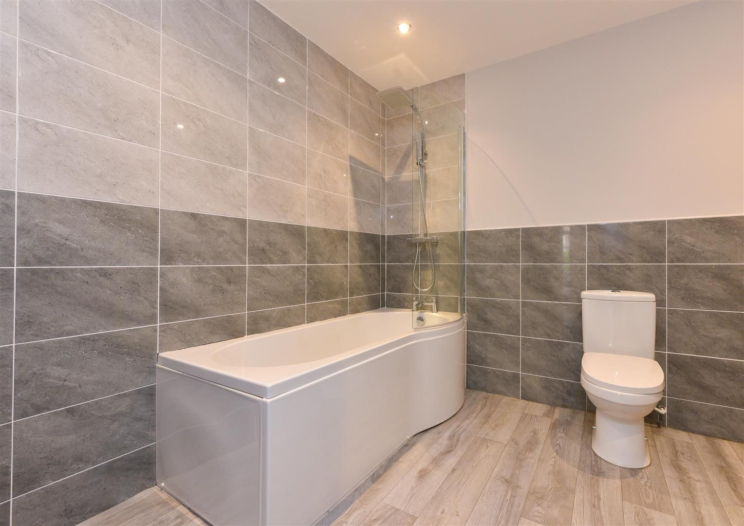 2 bed apartment for sale  - Property Image 15