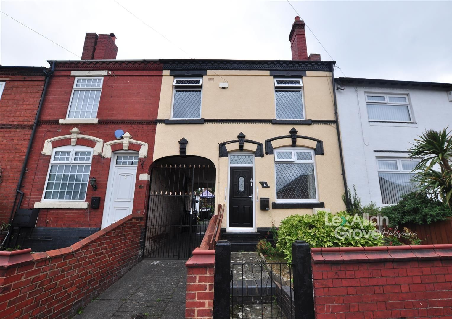 3 bed terraced for sale, B65