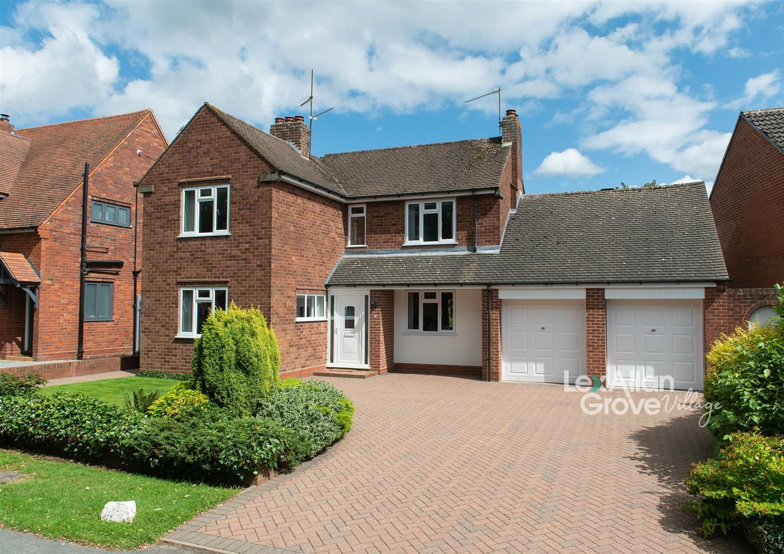 3 bed detached for sale in Hagley, DY9