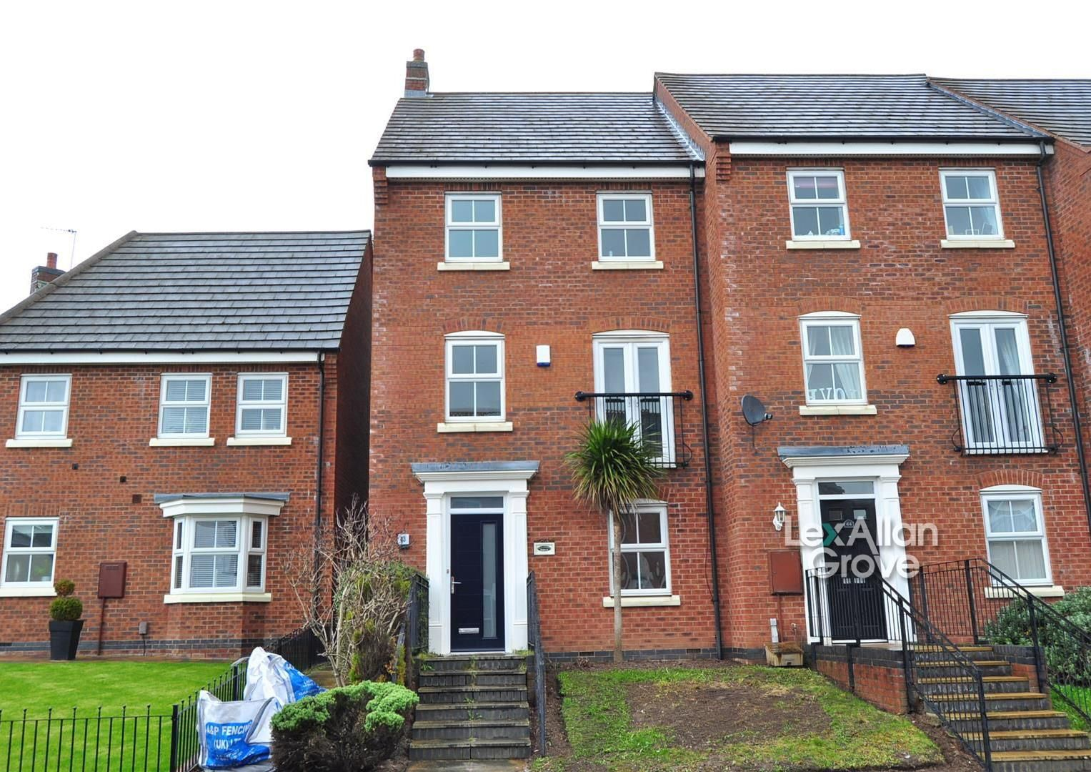 4 bed town-house for sale, B65