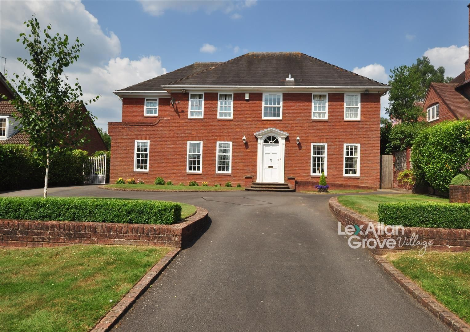 5 bed house for sale in Hagley, DY9