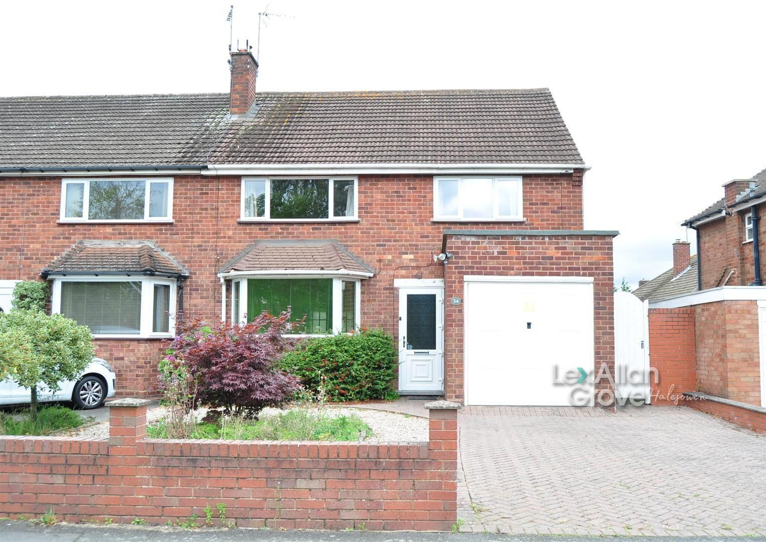3 bed semi-detached for sale in Hayley Green, B63