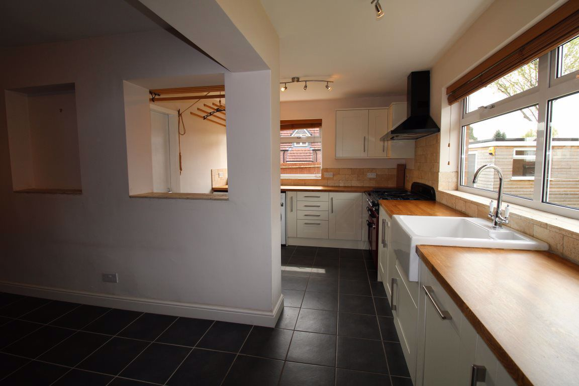 3 bed  to rent in Wollaston, 2