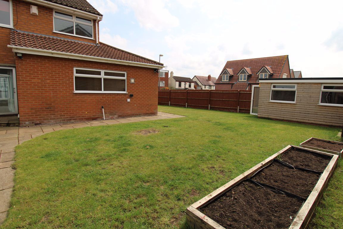 3 bed  to rent in Wollaston, 16