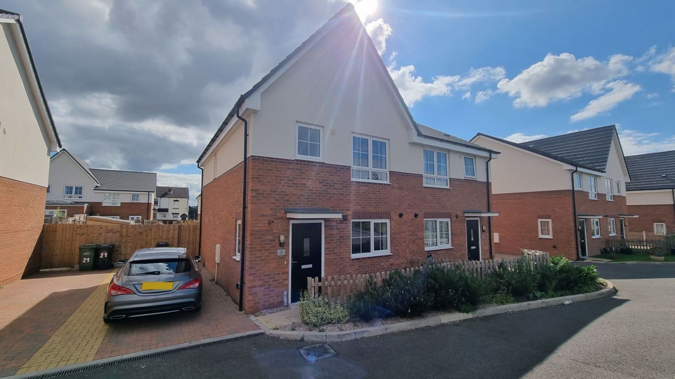 3 bed  to rent in Amblecote,, DY8