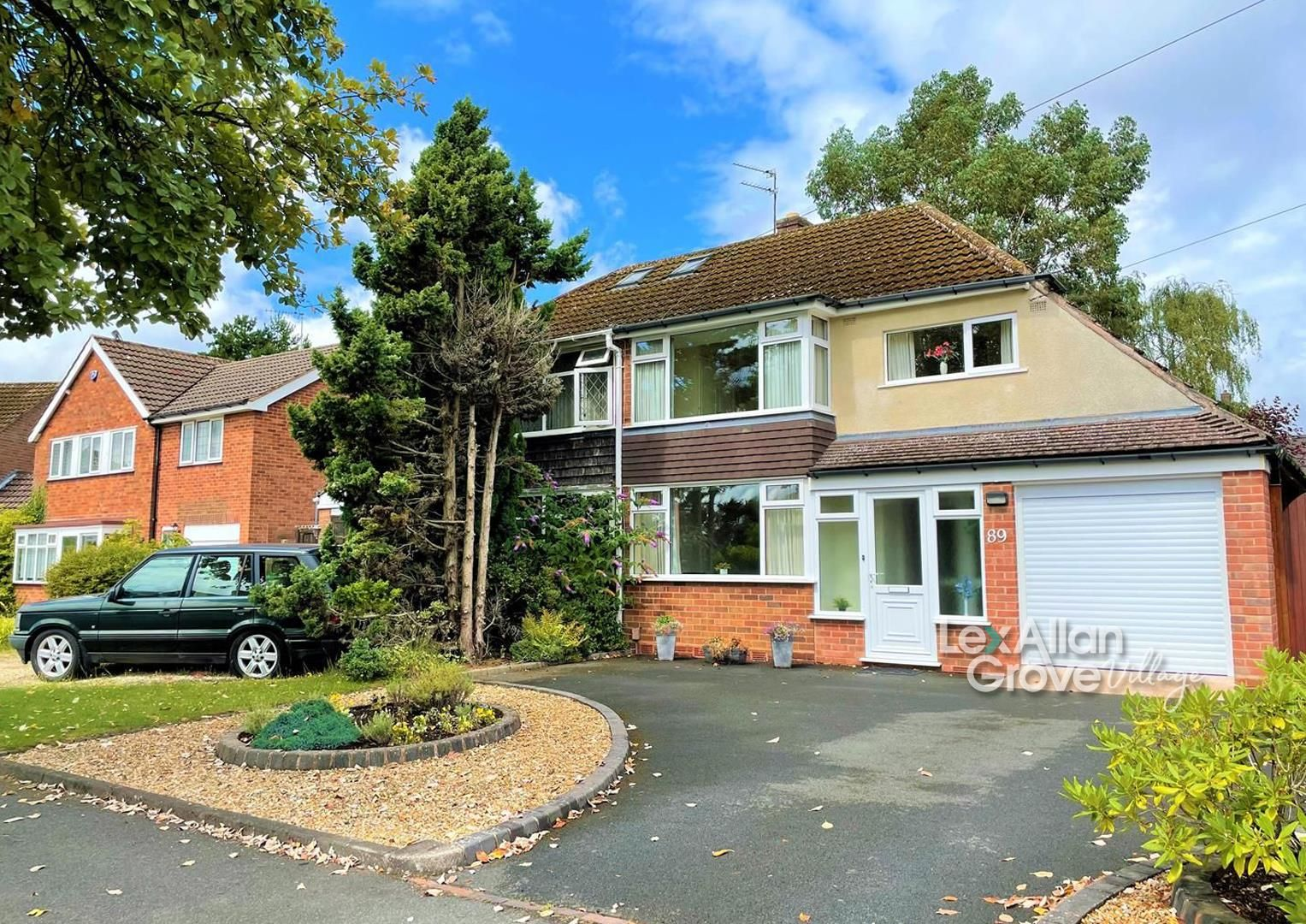 3 bed semi-detached for sale in Hagley 1