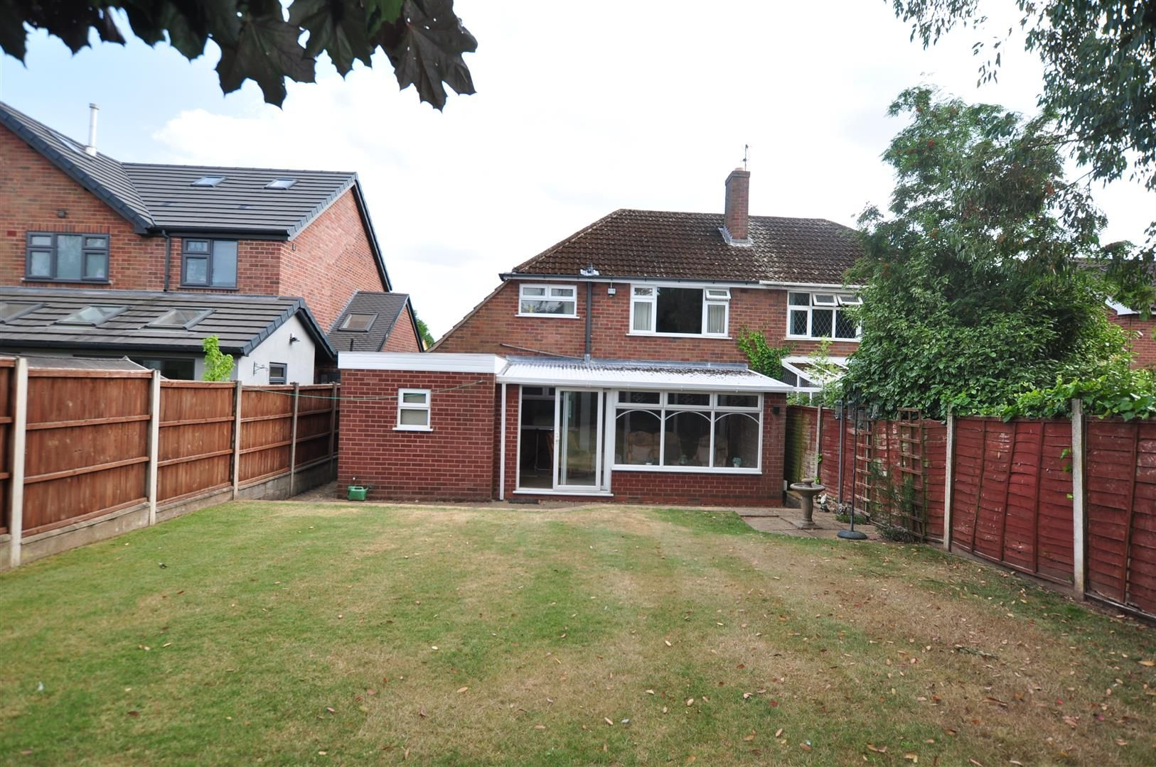 3 bed semi-detached for sale in Hagley 2