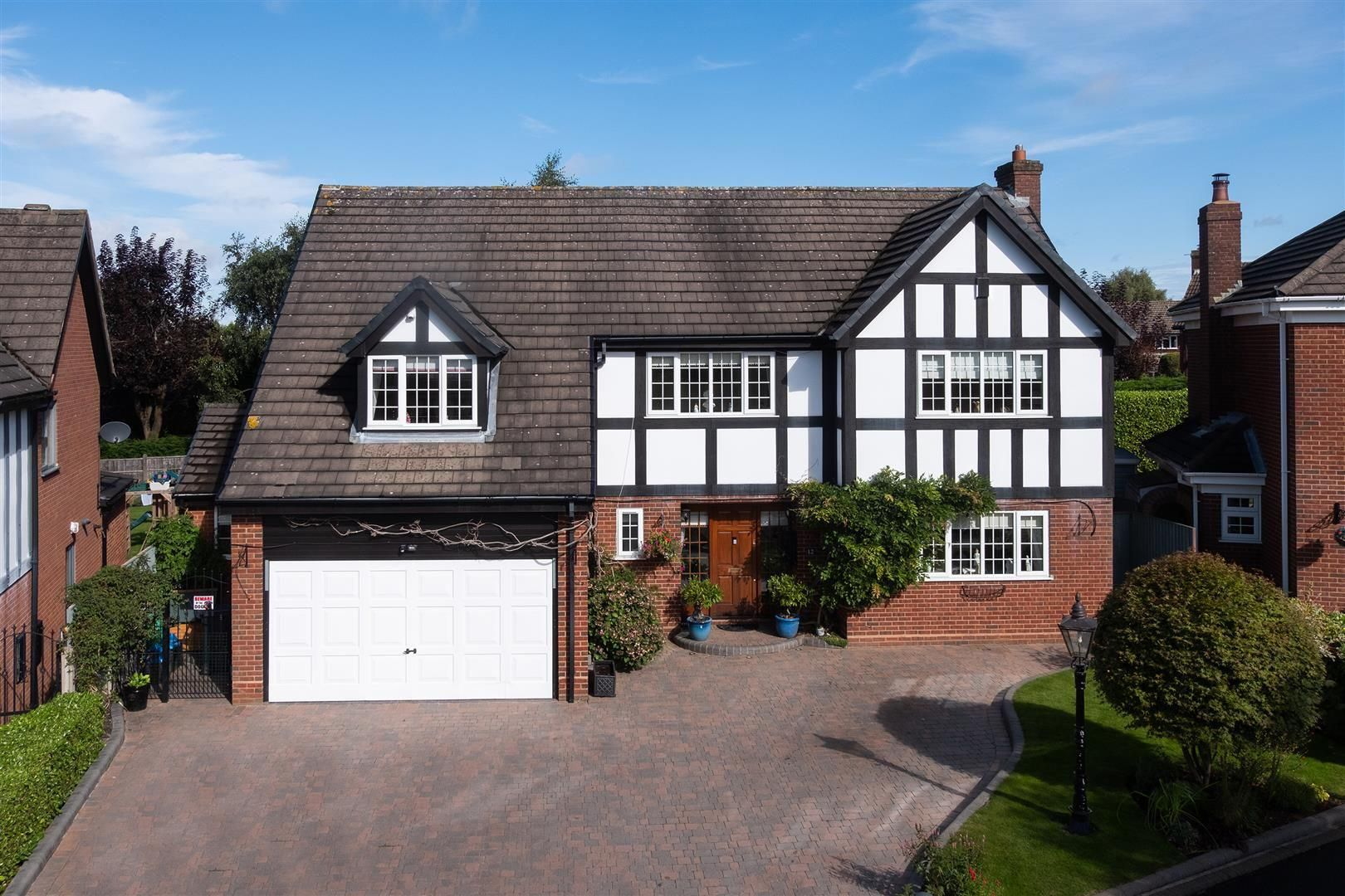 4 bed detached for sale 31