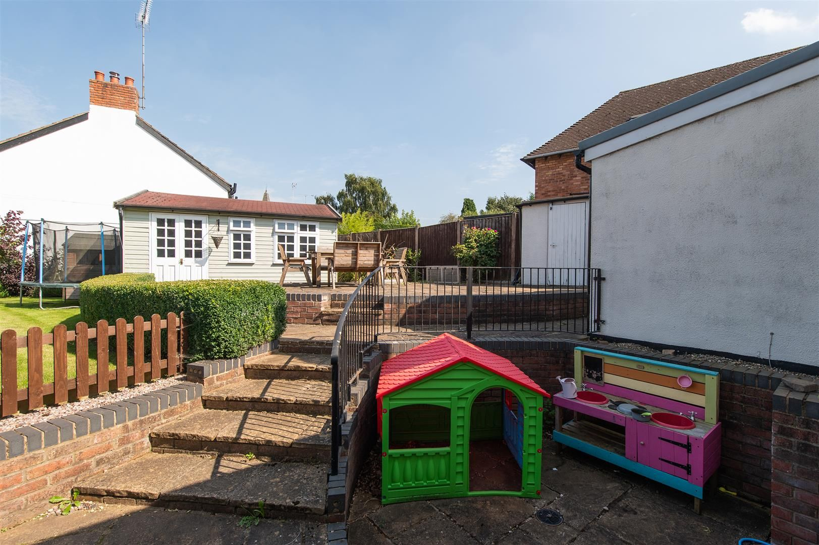 4 bed detached for sale in Blakedown 33