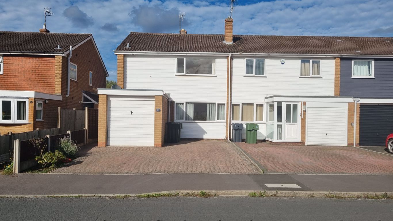 3 bed  to rent in Hagley,, DY9