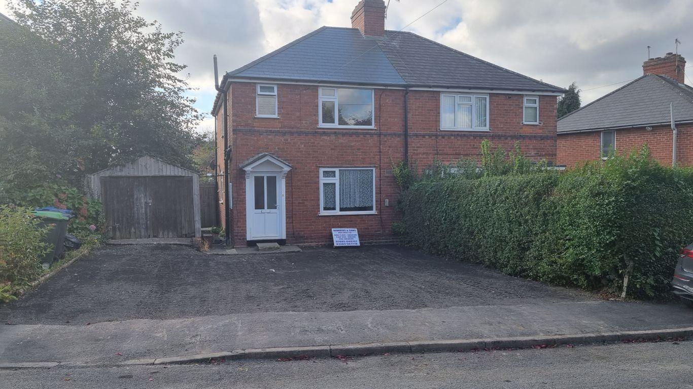 3 bed  to rent in Cradley Heath,, B64