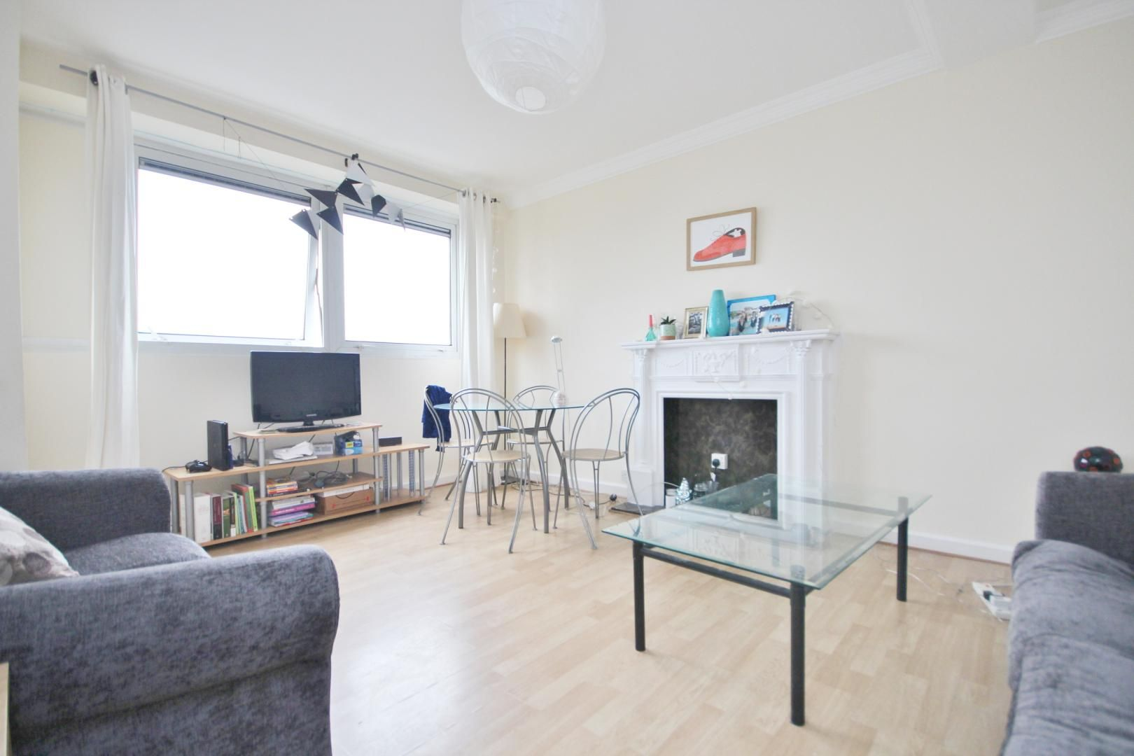 4 bed flat to rent in Bradley Lynch Court  - Property Image 2