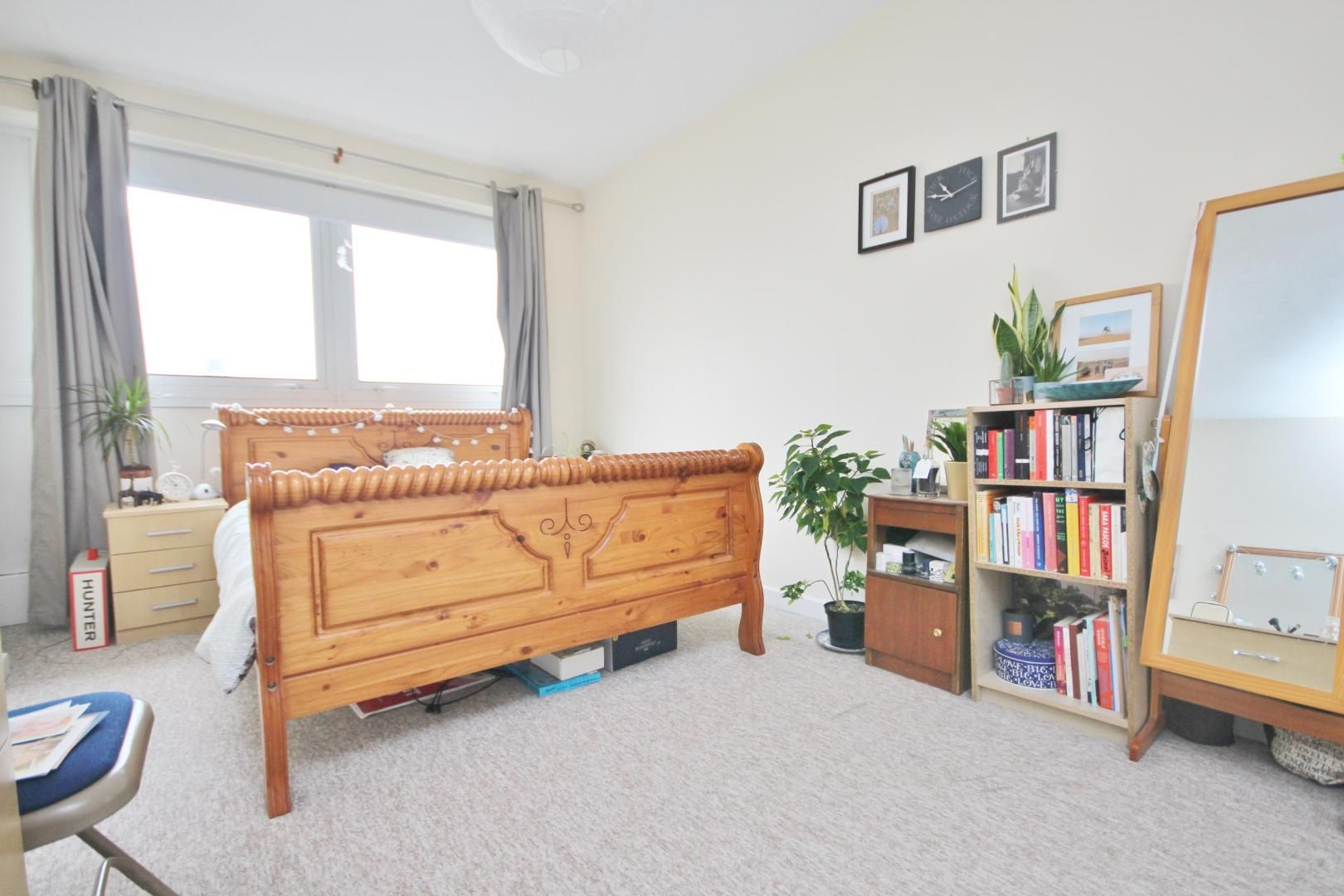 4 bed flat to rent in Bradley Lynch Court  - Property Image 6