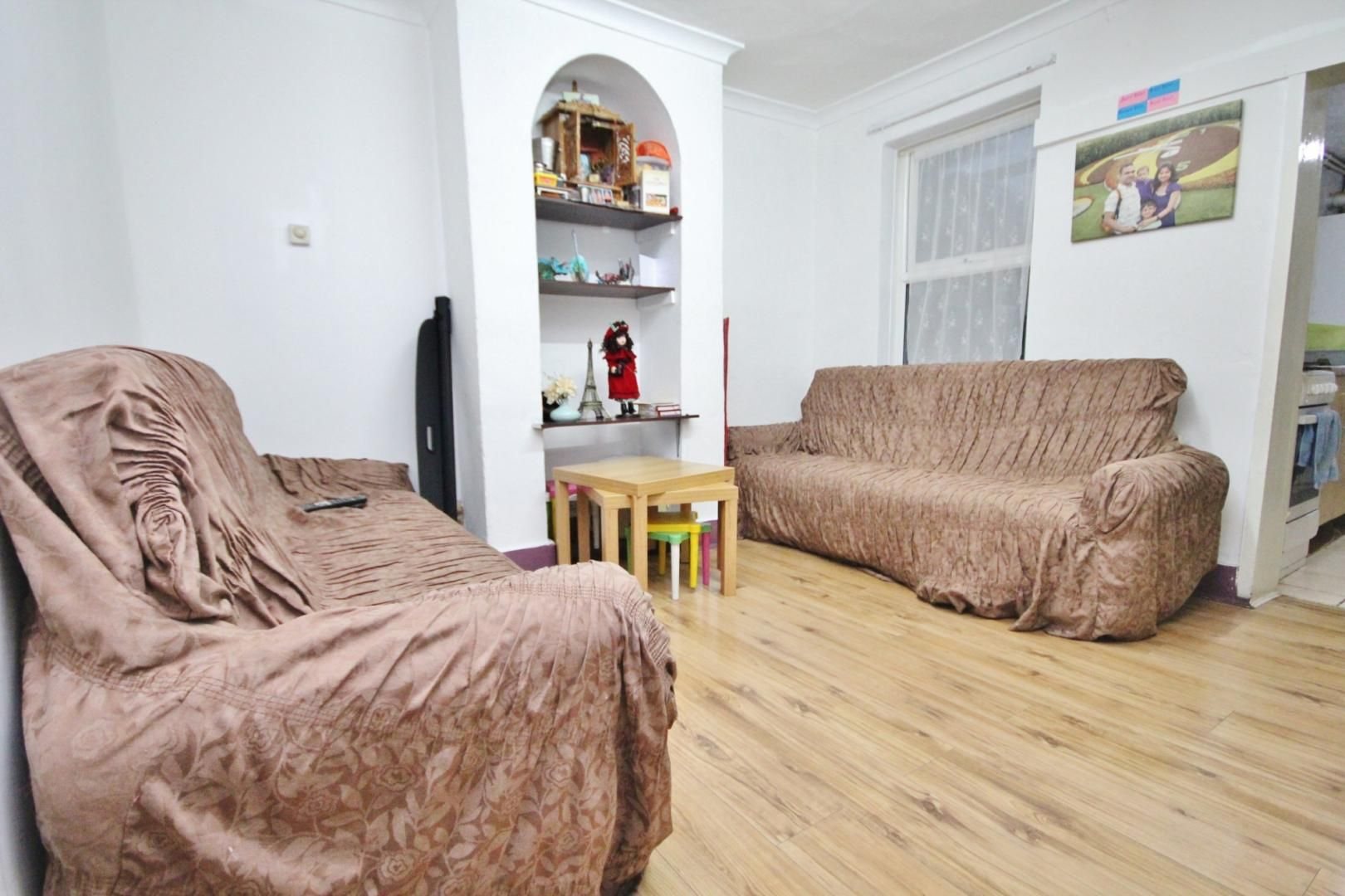 2 bed house to rent in Gloucester Road, E12