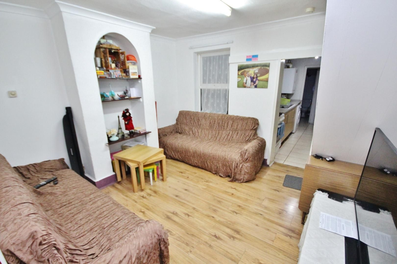 2 bed house to rent in Gloucester Road  - Property Image 11