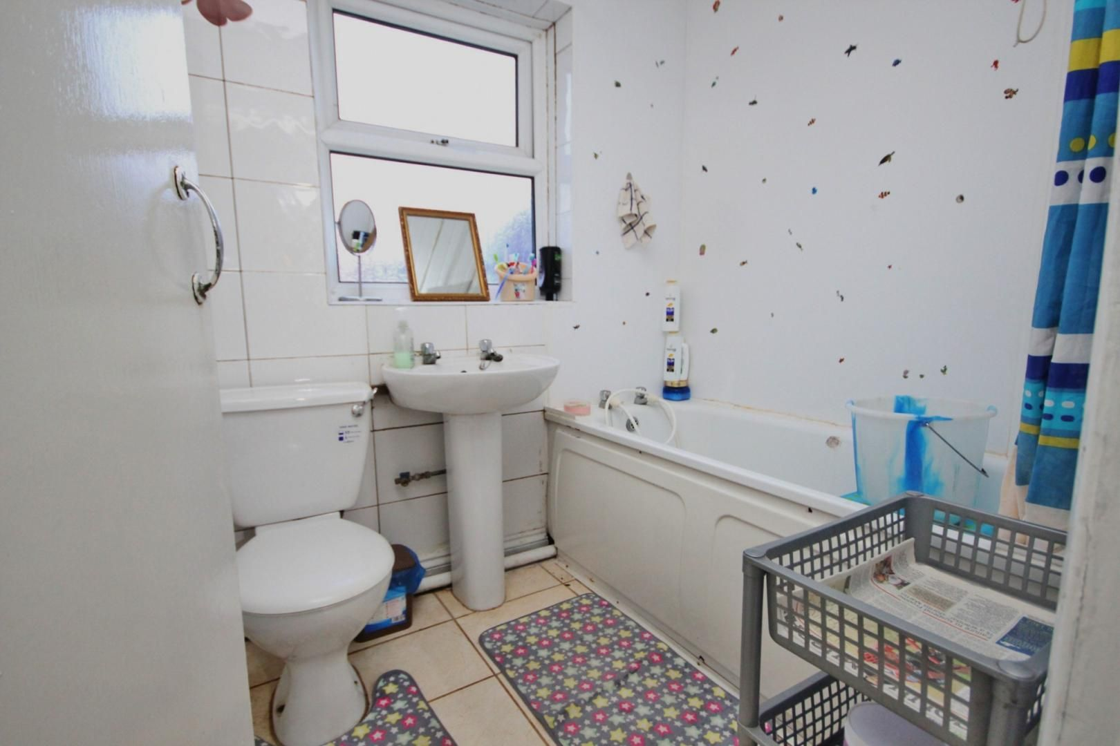 2 bed house to rent in Gloucester Road  - Property Image 12