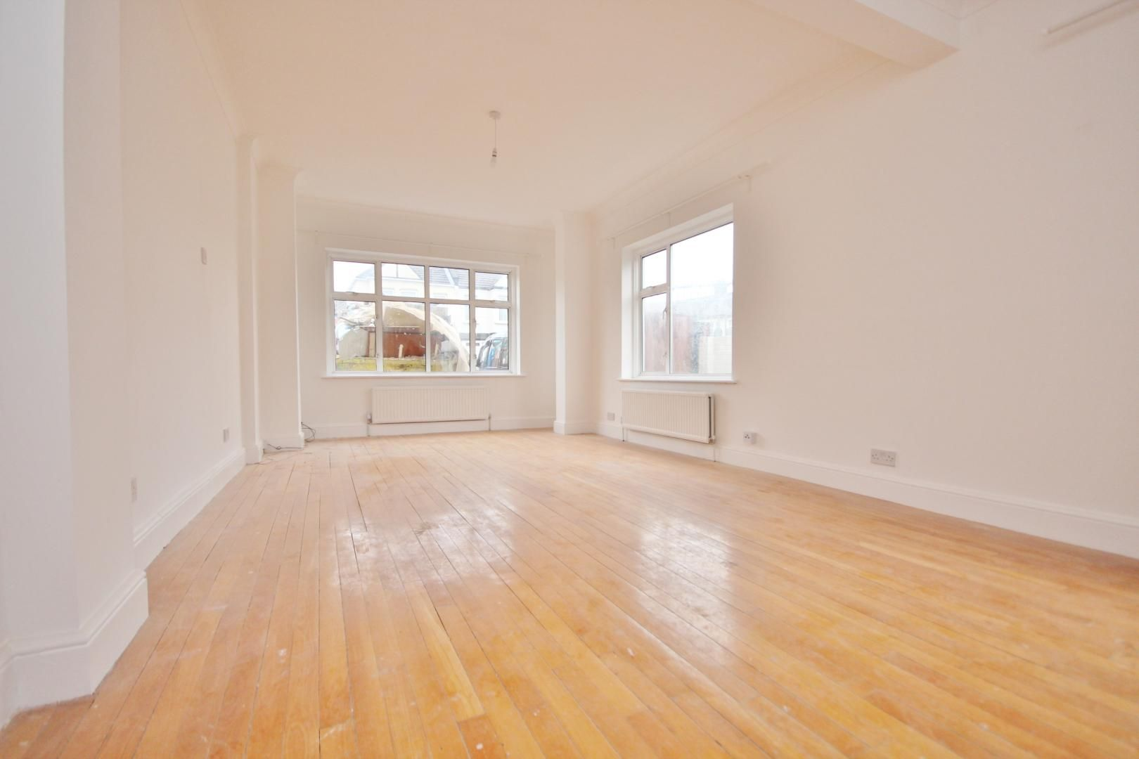1 bed  to rent in Aldborough Road South - Property Image 1