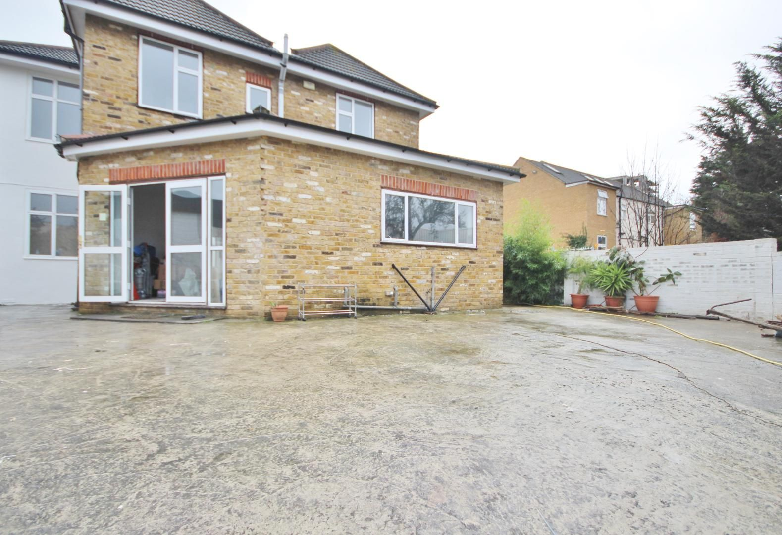 1 bed  to rent in Aldborough Road South  - Property Image 4