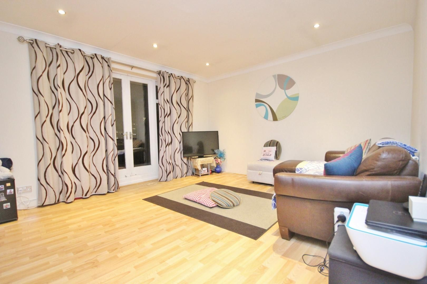 2 bed flat to rent in Waldair Court  - Property Image 2
