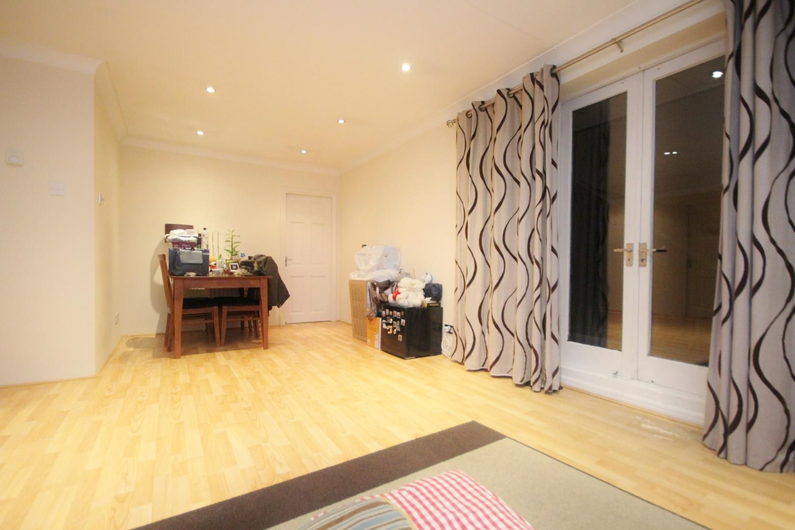 2 bed flat to rent in Waldair Court  - Property Image 9