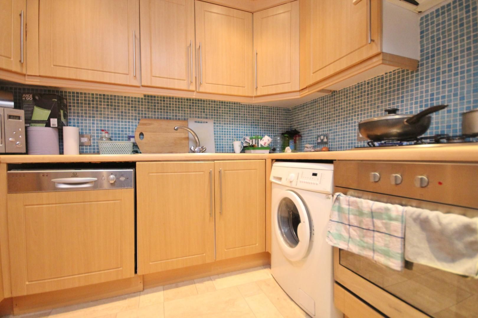 2 bed flat to rent in Waldair Court  - Property Image 10