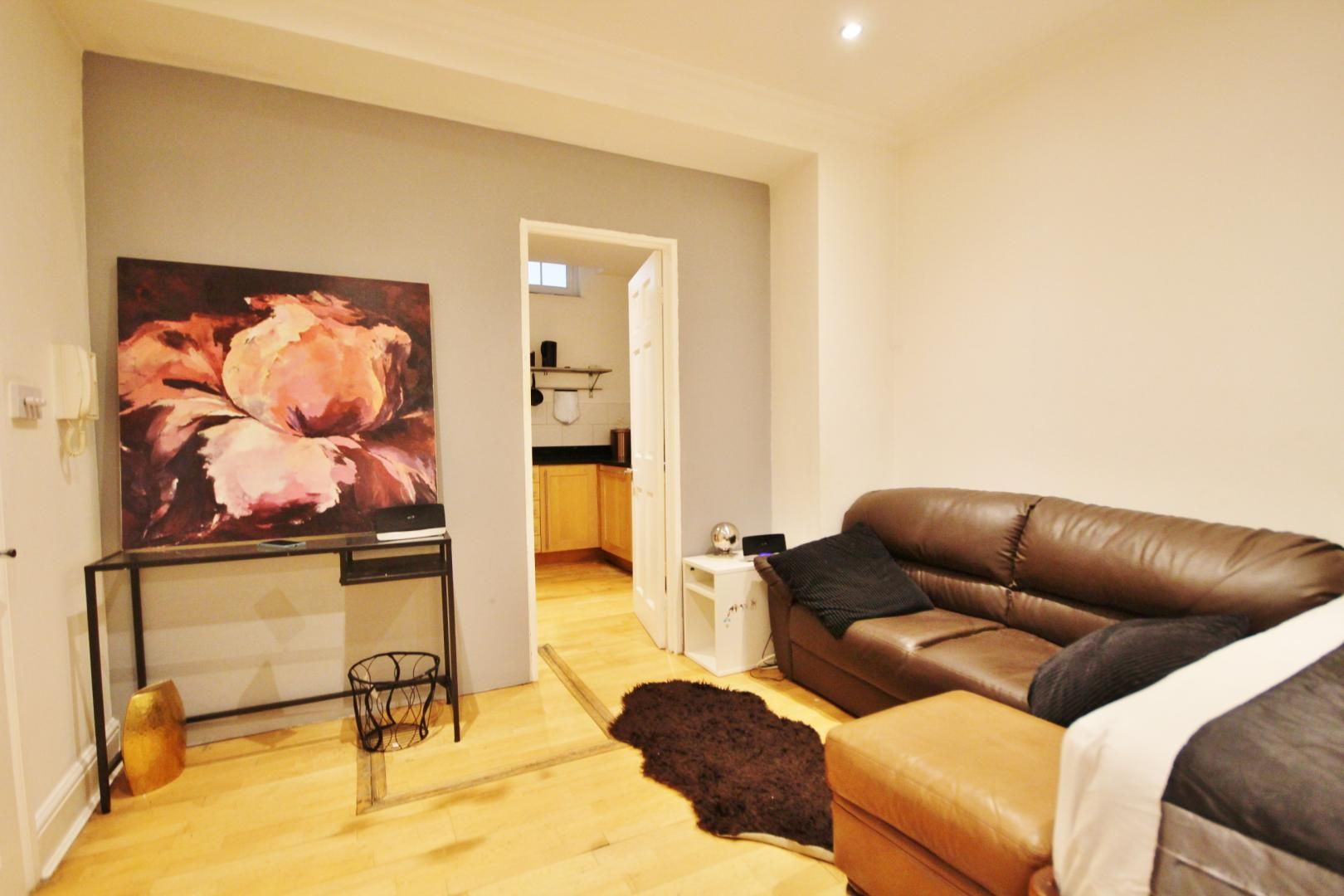 to rent in 338 Alie Street, E1
