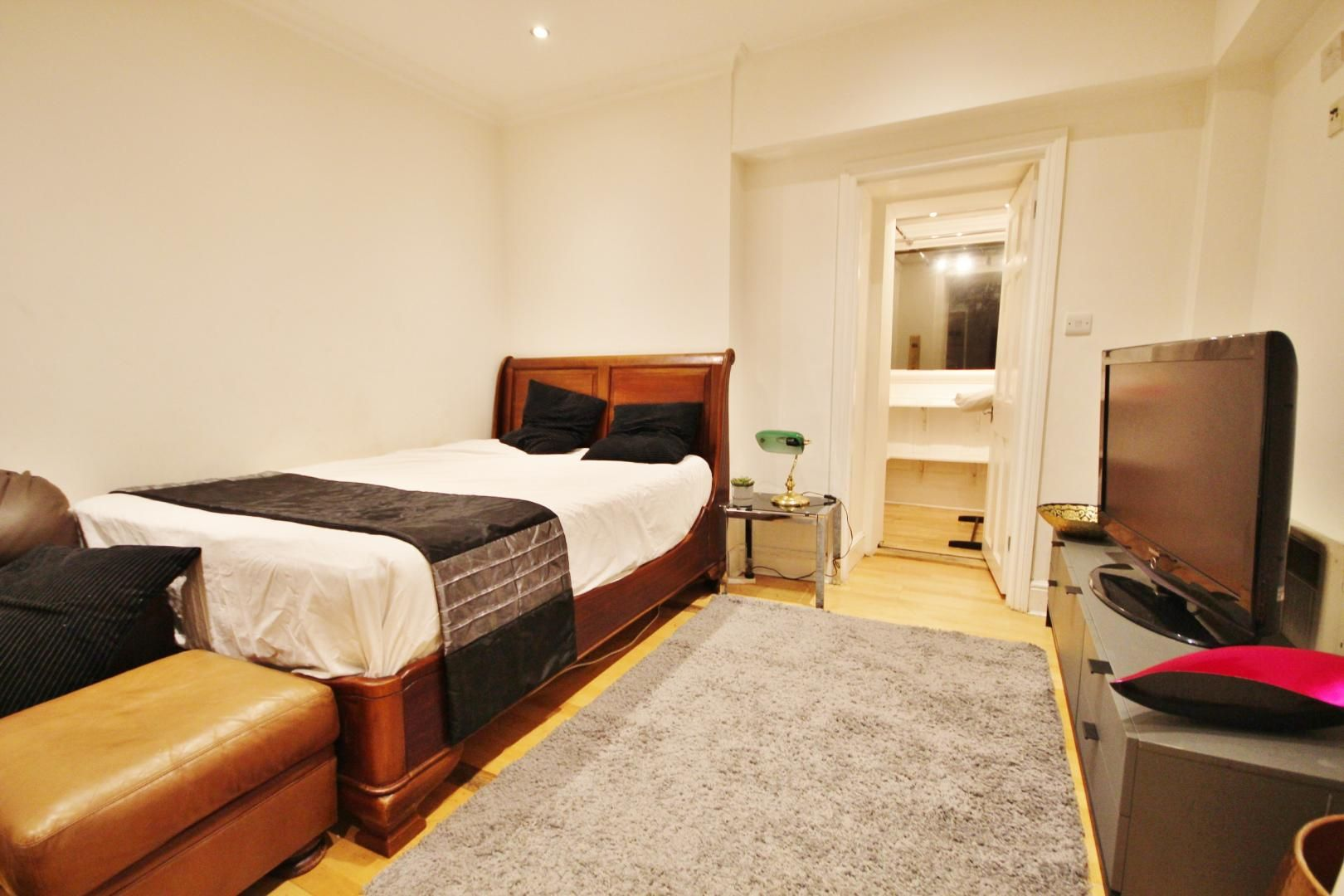 to rent in 338 Alie Street  - Property Image 2