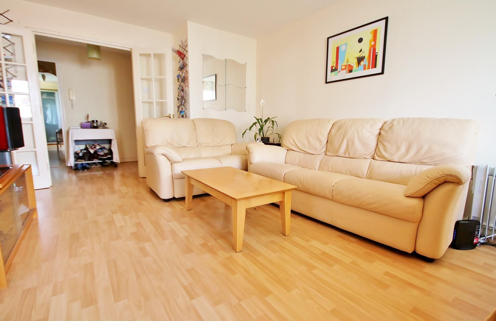 2 bed flat to rent in Wheat Sheaf Close, E14